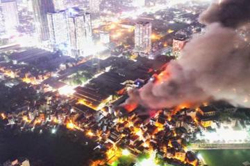 Kho Rạng Đông cháy do chập điện