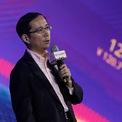 """<p class=""""Normal""""> Zhang cũng đang hướng tới mảng kinh doanh lớn tiếp theo của Alibaba. """"Mọi mảng kinh doanh đều có vòng đời"""", Zhang nói với <em>Bloomberg</em>. """"Nếu chúng ta không giết chết mảng kinh doanh hiện tại của mình, người khác sẽ làm vậy. Tôi muốn thấy những mô hình kinh doanh mới của công ty loại bỏ những thứ cũ hơn"""".</p> <p class=""""Normal""""> Một dự án mới mà Zhang đang phát triển là dịch vụ giao hàng tạp hóa và thực phẩm Freshippo, theo <em>Bloomberg</em>. Zhang làm việc với một nhóm nhỏ trong một garage ở Thượng Hải trong nhiều tháng. (Ảnh: <em>AP</em>)</p>"""