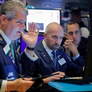 Phố Wall tăng điểm, chờ Fed ra quyết sách tiền tệ
