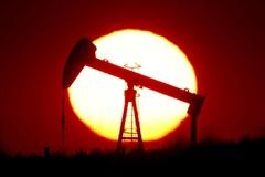 Arab Saudi tuyên bố có thể khôi phục nguồn cung, giá dầu giảm 6%
