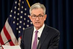 Fed tiếp tục hạ lãi suất 0,25%