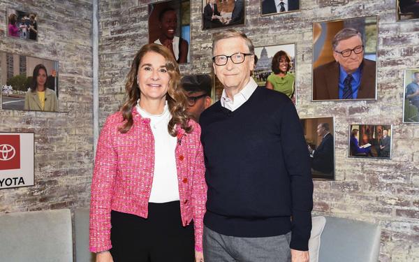 Vợ chồng Bill Gates: Bất kể sinh ra ở đâu, cuộc đời sẽ 'nặng tay' hơn với bạn vì bạn là phái nữ!