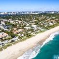 <p> Ông cũng sở hữu các căn hộ tại Palm Beach, Florida với tổng giá trị là 25 triệu USD. Giá trị thực tế là 36 triệu USD nhưng tổng thống đang chịu khoản nợ ước tính 11 triệu USD trên khối tài sản này. Các căn hộ nằm gần với khu nghỉ dưỡng Mar-a-Lago của Trump Organization.Ảnh: <em>Shutterstock</em>.</p>