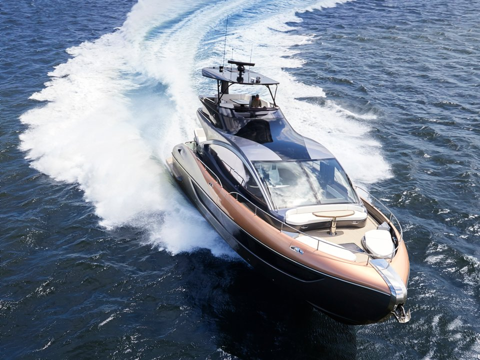 ly 650 - 2 1569292236 - Ngắm siêu du thuyền đầu tiên của Lexus, giá hàng triệu USD