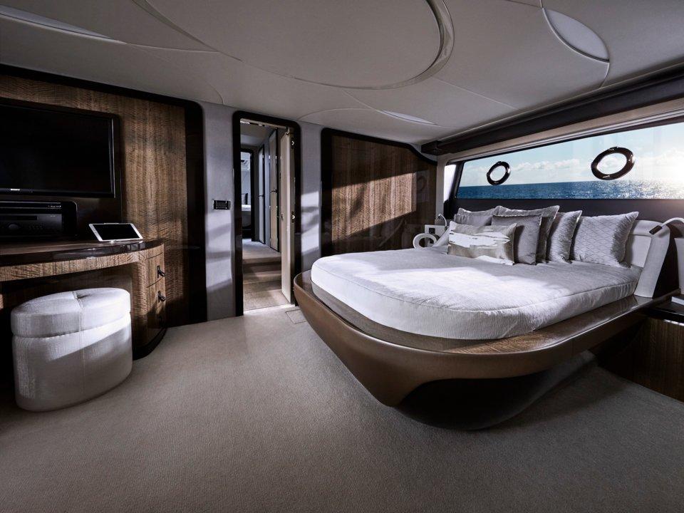 ly 650 - 4 1569292237 - Ngắm siêu du thuyền đầu tiên của Lexus, giá hàng triệu USD