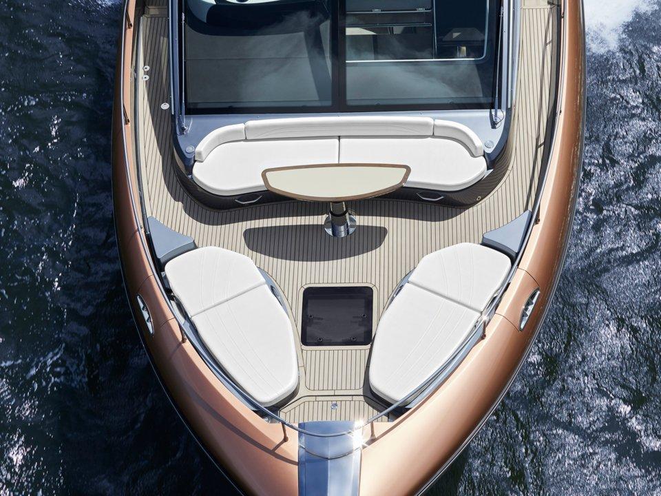 ly 650 - 5 1569292237 - Ngắm siêu du thuyền đầu tiên của Lexus, giá hàng triệu USD