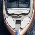 <p> Thân du thuyền, được phát triển tại xưởng Marquis Yachts có trụ sở tại Wisconsin (Mỹ).</p>