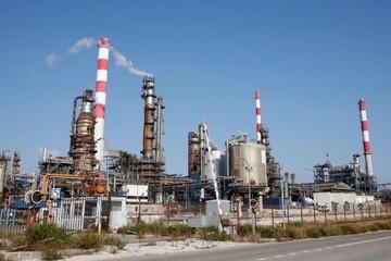 Giá dầu tăng 1% do lo ngại về nguồn cung từ Arab Saudi
