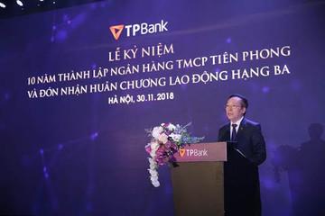 Enterprise Asia trao tặng giải thưởng kép cho ông Đỗ Minh Phú và TPBank