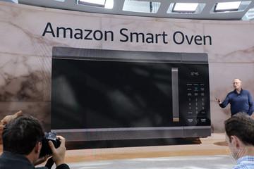 Amazon ra mắt lò nướng thông minh, tự quét đồ ăn và nấu cả trăm món