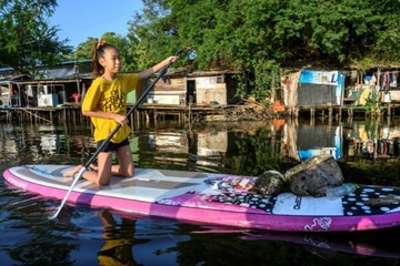 Trẻ em Thái Lan và mâu thuẫn rác thải nhựa