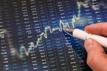 TMS, KDH, KPF, NLG, TDH, BWE, ACC, HHV: Thông tin giao dịch cổ phiếu
