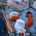 """<p class=""""Normal""""> <strong>'Giấc ngủ mệt mỏi' - Amdad Hossain, Dhaka, Bangladesh</strong></p> <p class=""""Normal""""> Một phụ nữ ngủ trên bờ sông đầy rác ở Bangladesh.</p>"""
