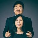 <p> Năm 1981, Do Won Chang và vợ Jin Sook rời Hàn Quốc đến Los Angeles (California, Mỹ) để theo đuổi tham vọng của mọi doanh nhân: Giấc mơ Mỹ. Họ đến California không một xu dính túi, nói bập bõm tiếng Anh và không có bằng đại học. (Ảnh: <em>Forbes</em>)</p>