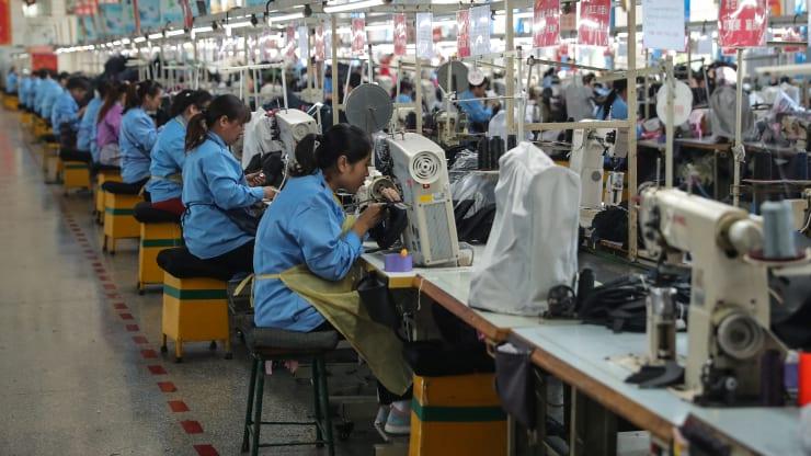 Sản xuất của Trung Quốc giảm tháng thứ 5 liên tiếp