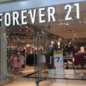 <p> Với số tiền tiết kiệm 11.000 USD sau 3 năm làm việc tại Mỹ, vợ chồng Do Won mở một cửa hàng quần áo có diện tích khoảng 83,6 m2 tại Los Angeles vào năm 1984 với tên gọi Fashion 21. Không giống như 3 công ty từng kinh doanh thất bại khi thuê địa điểm này trước đây, Fashion 21 đạt doanh thu 700.000 USD ngay trong năm đầu tiên. (Ảnh: <em>USA Today</em>)</p>