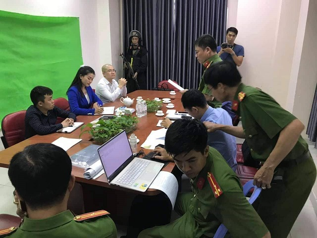 Phong tỏa tài khoản bố, mẹ Nguyễn Thái Luyện và nhiều giám đốc công ty thành viên
