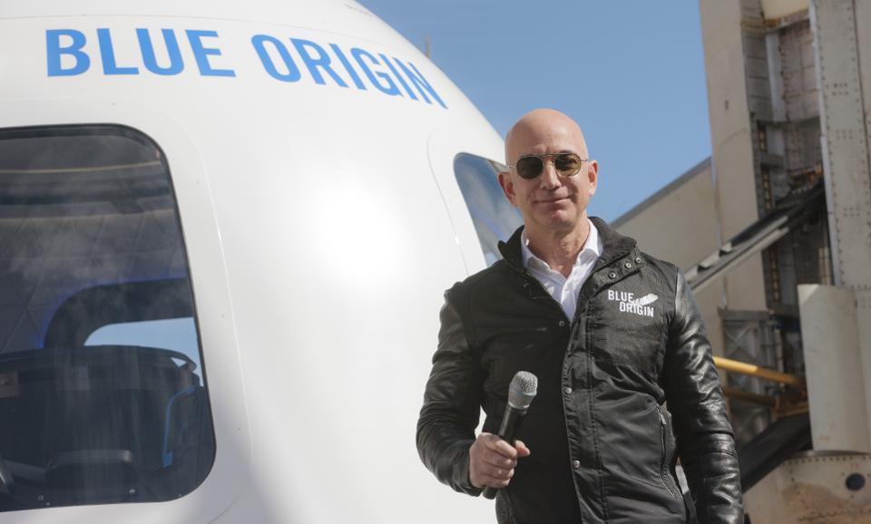 jeff bezos - 12 1569997793 - Tài sản của tỷ phú giàu nhất thế giới Jeff Bezos thay đổi thế nào qua từng năm?