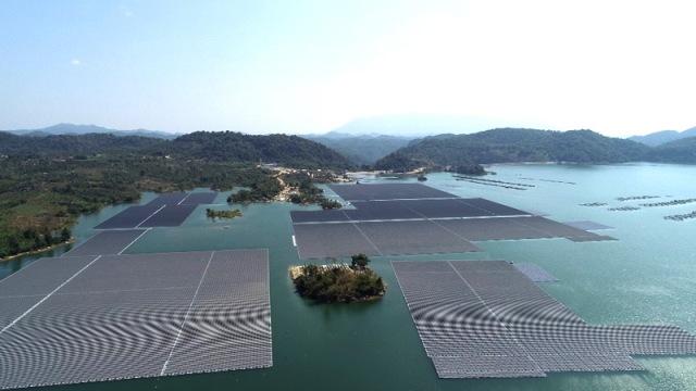 Công ty Việt Nam vay 37 triệu USD lắp dàn pin điện mặt trời nổi lớn nhất Đông Nam Á