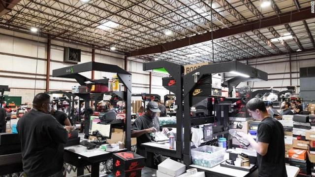 stockx - 4 2811 1570075790 - Thành startup tỷ USD nhờ bán giày như giao dịch chứng khoán