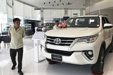 Toyota Fortuner giảm 100 triệu tại đại lý