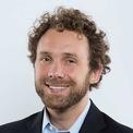 """<p class=""""Normal""""> <strong>11.<span> </span>Lukas Walton</strong></p> <p class=""""Normal""""> Tuổi: 33</p> <p class=""""Normal""""> Tài sản: 18,1 tỷ USD</p> <p class=""""Normal""""> Nguồn tài sản: Walmart</p> <p class=""""Normal""""> Ông nội của Lukas, Sam Walton là người thành lập hãng bán lẻ khổng lồ Walmart. Lukas được thừa kế cổ phần công ty sau khi cha anh qua đời trong một vụ tai nạn máy bay năm 2005. Lukas học kinh doanh bền vững và môi trường tại Colorado College và hiện đứng đầu Ủy ban chương trình môi trường của Quỹ Gia đình Walton. (Ảnh:<em> Walton Family Foundation</em>)</p>"""
