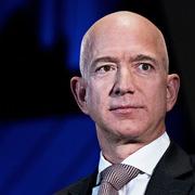 Jeff Bezos sẽ là người đầu tiên có 1.000 tỷ USD
