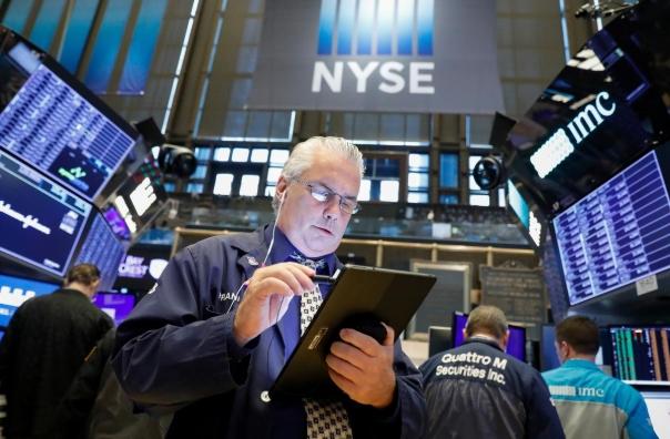Kỳ vọng Fed sắp hạ lãi suất hỗ trợ kinh tế Mỹ, Phố Wall tăng điểm