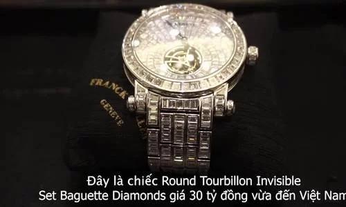 Đồng hồ đính đầy kim cương giá 30 tỷ đồng đến Sài Gòn.