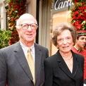"""<p class=""""Normal""""> <strong>Doris Fisher</strong></p> <p class=""""Normal""""> Tuổi: 88</p> <p class=""""Normal""""> Tài sản: 2,4 tỷ USD</p> <p class=""""Normal""""> Xếp hạng trong Forbes 400: 355</p> <p class=""""Normal""""> Doris Fisher cùng chồng sáng lập ra tập đoàn thời trang Gap vào năm 1969, lúc bà 37 tuổi. Cửa hàng đầu tiên của vợ chồng đặt tại San Francisco, với vốn đầu tư 63.000 USD, chuyên bán quần jean phục vụ dân Hippy. Bà Fisher trực tiếp tham gia vào công việc kinh doanh của Gap cho đến năm 2003 và rời khỏi ban điều hành vào năm 2009. (Ảnh: <em>Alamy Stock photo</em>)</p>"""