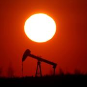 Giá dầu giảm vì căng thẳng Mỹ - Trung leo thang