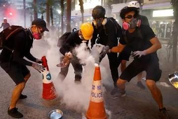 Biểu tình đẩy kinh tế Hồng Kông tới miệng hố suy thoái