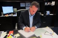 CEO viết 9.200 thiệp mừng sinh nhật mỗi năm để tri ân nhân viên