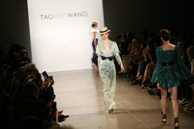 Thương hiệu Taoray Wang tại NYFW. Ảnh: SCMP.