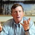 """<p class=""""Normal""""> <strong>10.<span> </span>Jim Kennedy</strong></p> <p class=""""Normal""""> Công ty: Cox Automotive</p> <p class=""""Normal""""> Giá trị cổ phần: 1,7 tỷ USD</p> <p class=""""Normal""""> Tổng tài sản: 7,84 tỷ USD</p> <p class=""""Normal""""> Kennedy, 64 tuổi là chủ tịch của Cox Enterprises. 21,6% tài sản của ông đến từ cổ phần của công ty này. (Ảnh: <em>AP</em>)</p>"""
