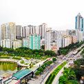 <p> Hàng loạt dự án chung cư mọc lên tại các tuyến phố Hoàng Minh Giám, Trung Hoà Nhân Chính, Lê Văn Lương (quận Cầu Giấy).</p>