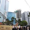 <p> Tại Ba Đình, khu Kim Mã, Liễu Giai gần đây xuất hiện thêm nhiều toà nhà cao tầng. Một dự án văn phòng gồm 2 toà tháp cao 37 tầng dự kiến hoạt động trong năm 2020.</p>