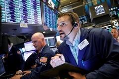 Phố Wall giảm trước thềm mùa báo cáo lợi nhuận quý III