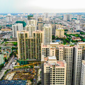<p> Cạnh đó, các phố Nguyễn Tuân, Ngụy Như Kon Tum... cũng có hàng loạt cao ốc cũ, mới.</p>