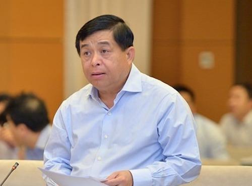 Bộ trưởng Nguyễn Chí Dũng thay mặt Chính phủ trình bày tờ trình Luật Đầu tư (sửa đổi) tại phiên họp 38 của Uỷ ban Thường vụ Quốc hội. Ảnh: Trung tâm báo chí Quốc hội.