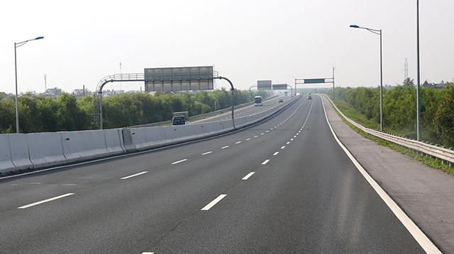 Phê duyệt hồ sơ mời sơ tuyển nhà đầu tư dự án cao tốc Bắc - Nam