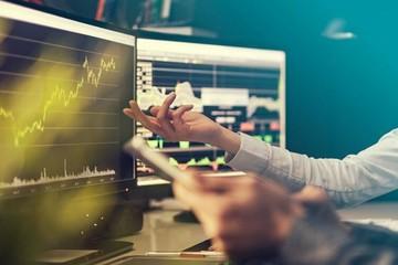 Nhận định thị trường ngày 18/10: 'Dấu hiệu bất ổn và rủi ro tăng lên'