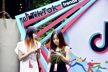 TikTok kiếm tiền khác Youtube ra sao?