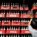 """<p class=""""Normal""""> <strong>5.<span> </span>Coca-Cola</strong></p> <p class=""""Normal""""> Lĩnh vực: Đồ uống</p> <p class=""""Normal""""> Giá trị thương hiệu: 63,4 tỷ USD</p> <p class=""""Normal""""> Thay đổi giá trị thương hiệu so với năm ngoái: -4%</p>"""