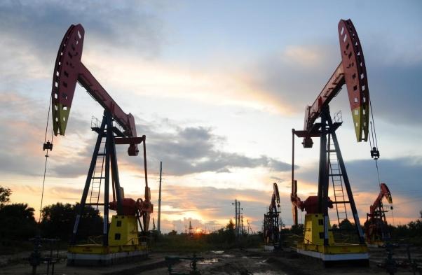 Giá dầu tăng sau thông tin tồn kho xăng tại Mỹ giảm