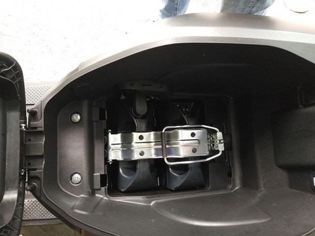 VinFast Klara dừng sản xuất 2 bản sạc điện, chuyển sang kiểu đổi pin, động cơ mạnh hơn, giá khoảng 42 triệu đồng - Ảnh 5.
