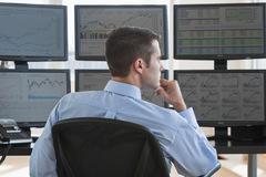 Tuần 14-18/10: Khối tự doanh CTCK đẩy mạnh bán ròng 362 tỷ đồng