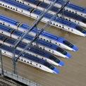 """<p class=""""Normal""""> Hệ thống tàu cao tốc Shinkansen bị ngập trong nước lũ tại tỉnh Nagano vào ngày 13/10. Đoàn tàu cao tốc Hokuriku được cho biết sẽ không thể trở lại hoạt động bình thường trong năm 2019, sau khi những trận lũ lụt đã khiến nhiều toa tàu hỏng hóc, không thể sử dụng. Hokuriku là tuyến đường sắt huyết mạch nối Tokyo với các tỉnh phía Tây Nhật Bản.</p> <p class=""""Normal""""> Được đánh giá là một trong những cơn bão mạnh nhất trong vòng 50 năm, siêu bão Hagibis đã tàn phá nặng nề nhiều khu vực trên lãnh thổ Nhật Bản, khiến hệ thống giao thông đường bộ bị tê liệt hoàn toàn và khoảng 1.600 chuyến bay nội địa và 260 chuyến bay quốc tế bị hủy. Ảnh: <em>Reuters</em>.</p>"""