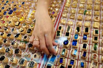 Quỹ đầu tư vàng lớn nhất thế giới mua vào 6 tấn
