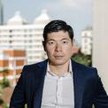 <p> Một trong những người bạn đồng môn của Makarim tại Harvard chính là Anthony Tan – đồng sáng lập và CEO của Grab. Cùng đến từ Đông Nam Á, 2 người dễ dàng bắt chuyện và dần trở nên thân thiết. Sau khi hoàn thành chương trình MBA, cả Makarim và Anthony đều trở về quê nhà khởi nghiệp với mô hình tương tự Uber và đạt được những thành công nhất định. Hai người bạn thân ngày nào trở thành đối thủ trên thị trường gọi xe đầy khốc liệt. (Ảnh: <em>Fortune</em>)</p>